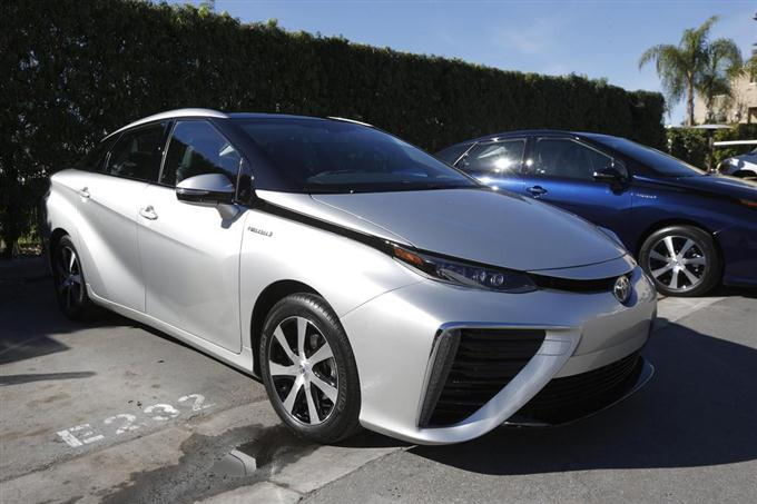 The Toyota Mirai, Toyota Motor Corporation's first commercially available, mid-sized hydrogen fuel cell sedan, is seen at a press preview in Newport Beach, California November 17, 2014. REUTERS